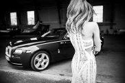 Ludwika Ciechecka i Rolls-Royce Wraith   Dealerem samochodów marki Rolls-Royce w Polsce jest salon Rolls-Royce Motor Cars Warszawa mieszczący się przy ul. Ostrobramskiej 73 w Warszawie.