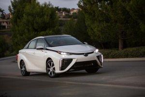 Toyota dzieli się technologią wodorowych ogniw paliwowych