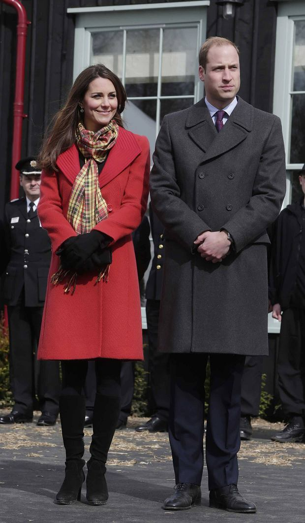 Britain's Prince William and his wife Catherine, Duchess of Cambridge visits Dumfries House in Ayrshire, Scotland April 5, 2013. REUTERS/Danny Lawson/pool    (BRITAIN - Tags: ROYALS ENTERTAINMENT SOCIETY)