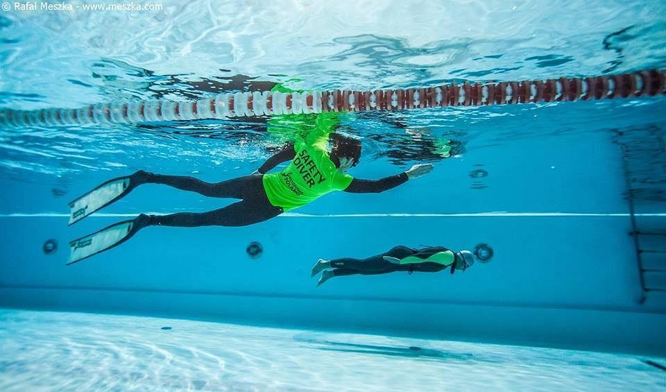 Freediving w wodach o słabej widoczności wymaga szczególnego zachowania ostrożności