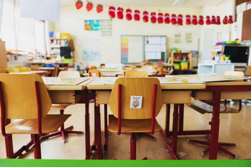 Przedszkolanka z Tczewa przyklejała dzieci do krzeseł