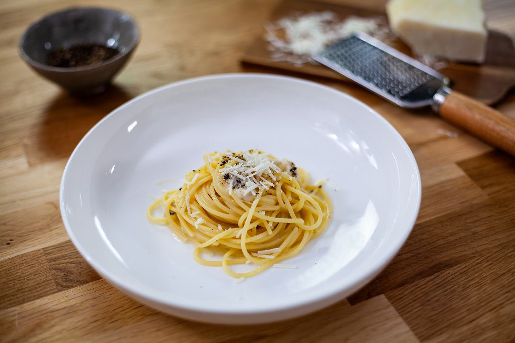 Matteo Brunetti 'Na Tropie Smaku'! Spaghetti Cacio e Pepe