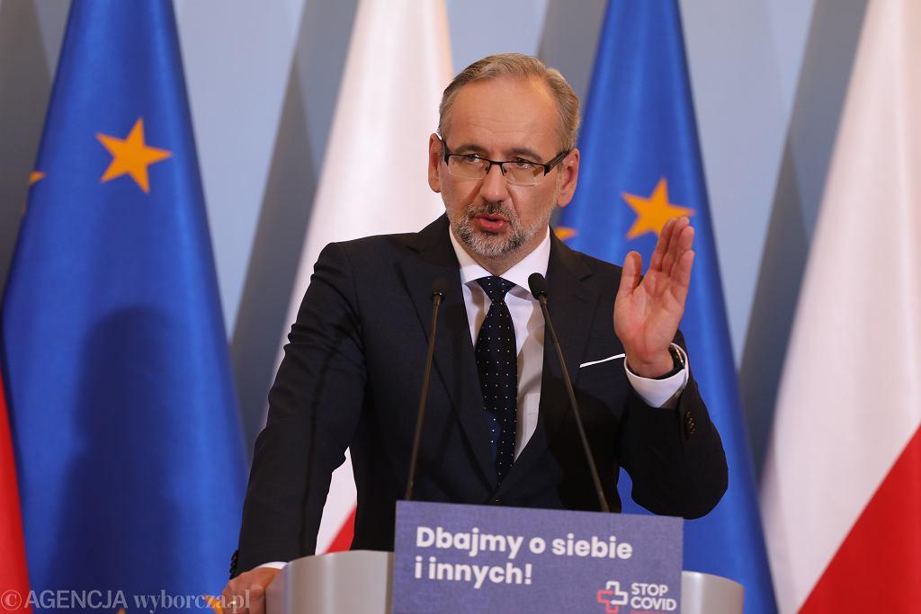 Konferencja prasowa premiera i ministra zdrowia Adama Niedzielskiego w sprawie epidemii koronawirusa