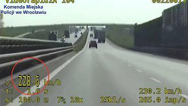 S8 we Wrocławiu. 44-latek przekroczył prędkość o 108 km/h