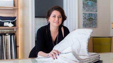 Magdalena Kot-Kyriazis jest właścicielką firmy szyjącej ręcznie kołdry i poduszki.