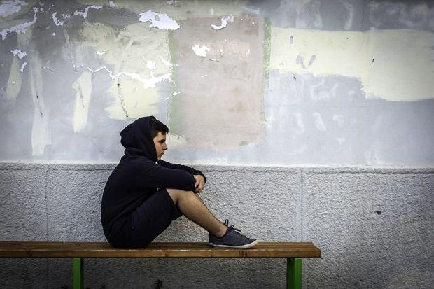 Dyscyplina w szkole służy reprodukcji modelu więziennego
