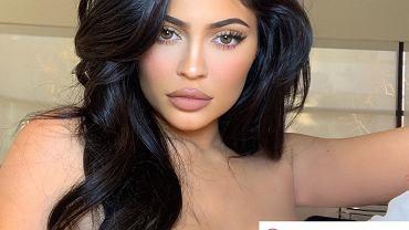 3 trendy w makijażu, które są już niemodne. Lepiej dłużej się tak nie maluj