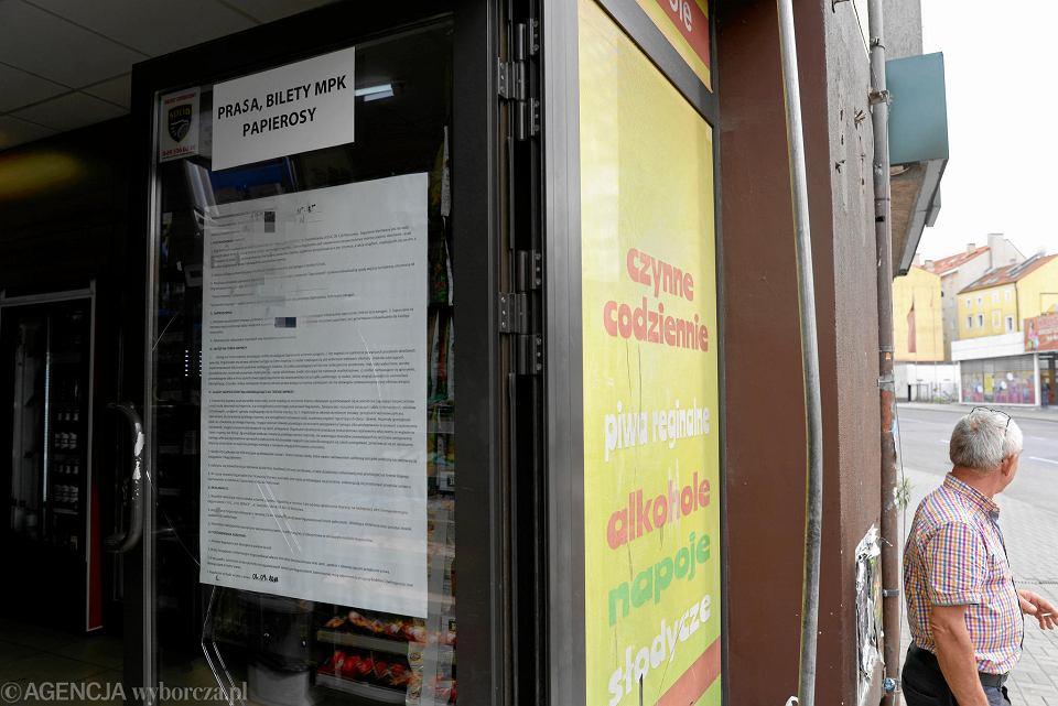 Regulamin 'imprezy zamkniętej', który sklepikarz z Olsztyna stworzył, by uniknąć nocnego zakazu sprzedaży detalicznej alkoholu