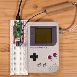 Zhakowana wersja konsoli Game Boy