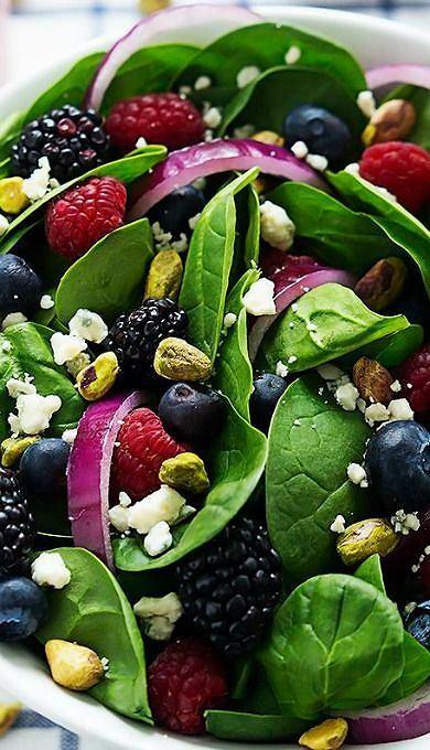 Jeżyny i maliny to doskonały składnik sałatek