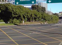 """Żółte linie na skrzyżowaniu to tzw. """"yellow boxy"""". Pojawią się w Szczecinie i przypomną o bardzo ważnej zasadzie"""