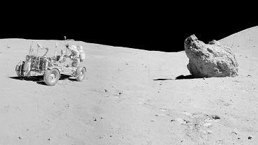 NASA opublikowała panoramy zrobione na Księżycu. Niesamowicie szczegółowe fotografie