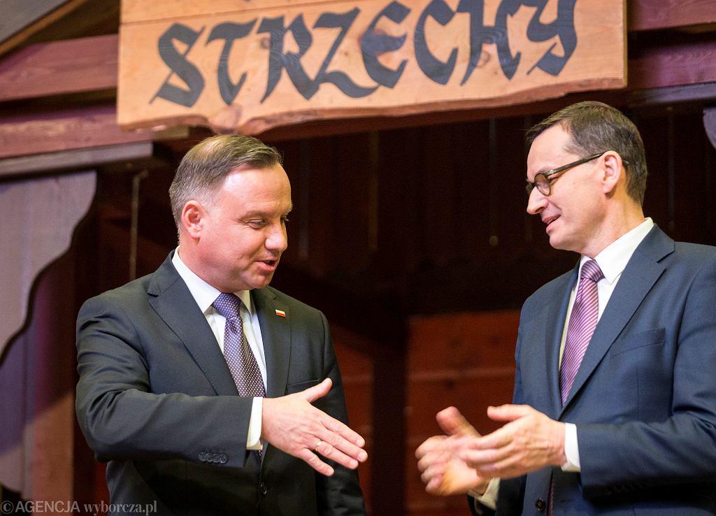 Andrzej Duda i Mateusz Morawiecki podczas karczmy piwnej w katowickim Spodku. 18 stycznia 2020 r.