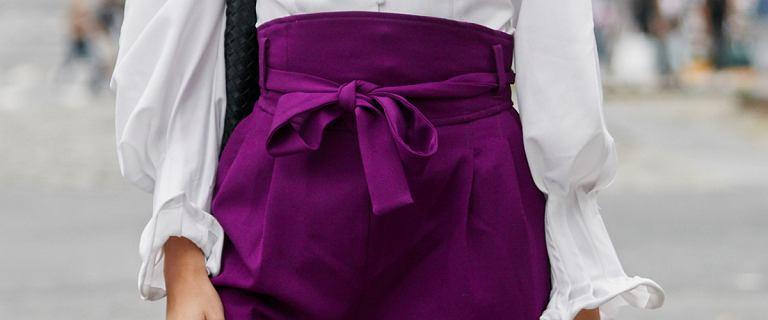 Ten fason spodni najlepiej podkreśla talię i wydłuża nogi kobiet. Świetne dla Pań po 50-tce.
