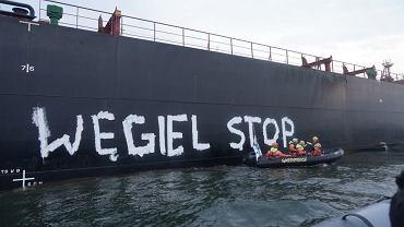 Greenpeace zablokował jednostkę płynącą z Mozambiku