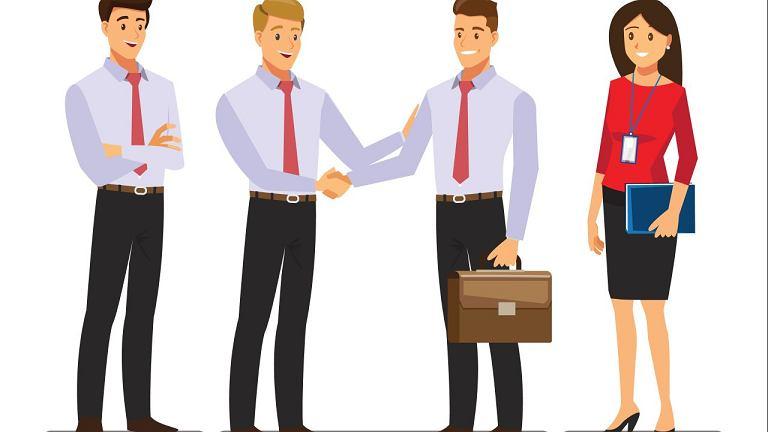 Z kolegami z pracy witamy się uściskiem dłoni. A z koleżankami?