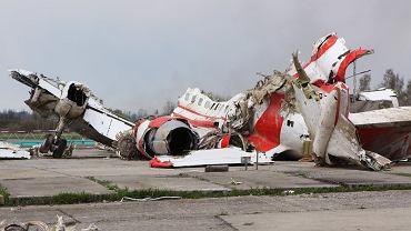 Wrak prezydenckiego tupolewa na lotnisku w Smoleńsku
