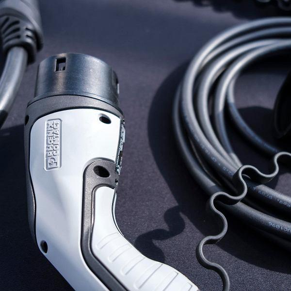 Phoenix Contact E-Mobility, niemiecka firma, która produkuje części do samochodów elektrycznych i stacji ładowania, buduje w Pogwizdowie Nowym swoją fabrykę