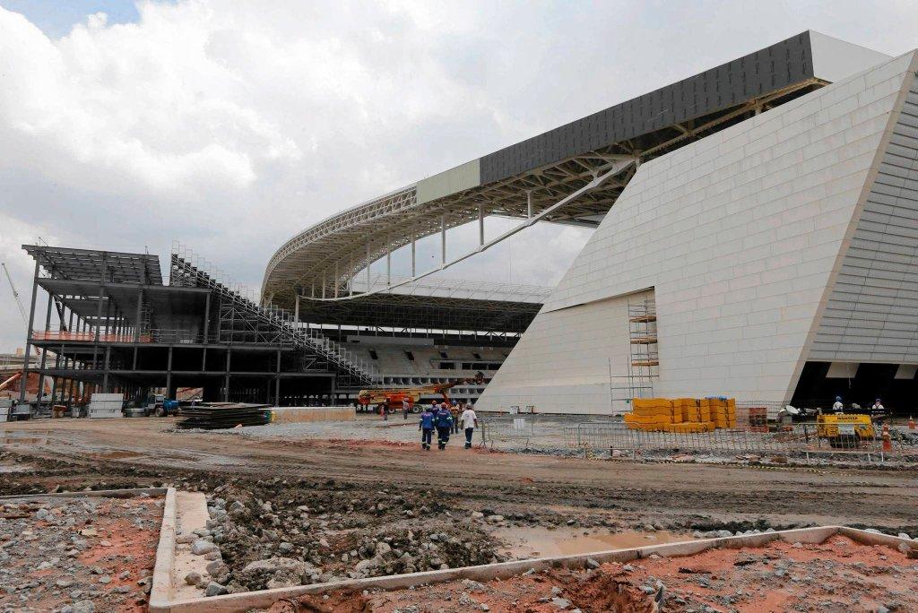 Budowa stadionu w Sao Paulo na MŚ 2014