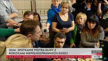 Duda na spotkaniu z protestującymi w Sejmie rodzicami