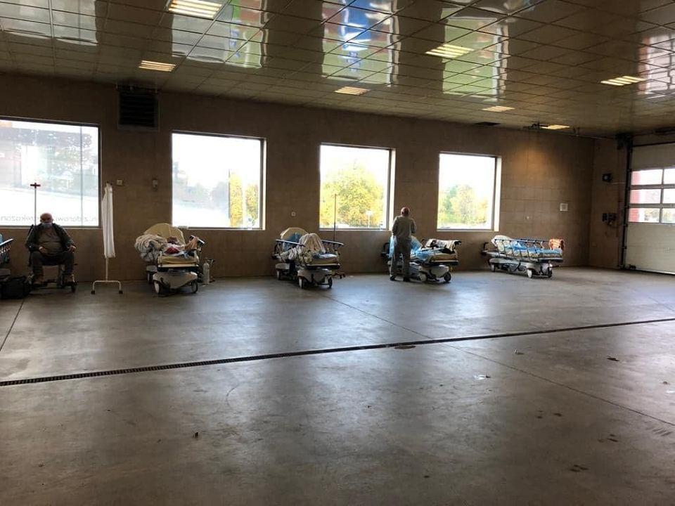 Kolejka do szpitalnego oddziału ratunkowego w Gorzowie