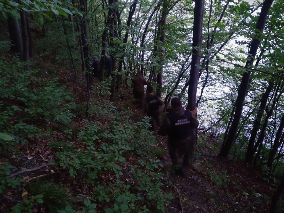 Funkcjonariusze Społecznej Straży Rybackiej Powiatu Żywieckiego mają pełne ręce roboty.