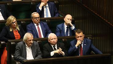 21.11.2019, Jarosław Kaczyński (w środku w pierwszym rzędzie) podczas posiedzenia Sejmu.