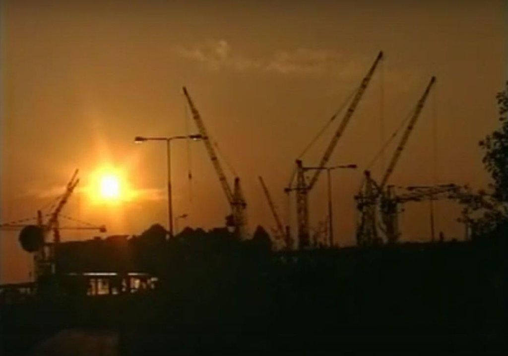 Kadr z filmu promocyjnego Ursynowa z 1999 roku