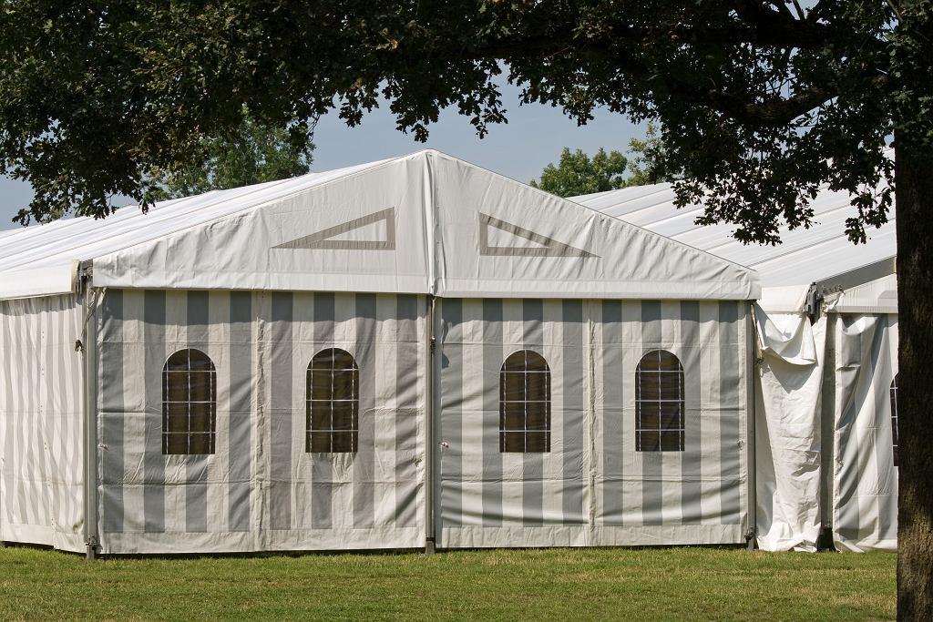 Namiot imprezowy, zdjęcie ilustracyjne
