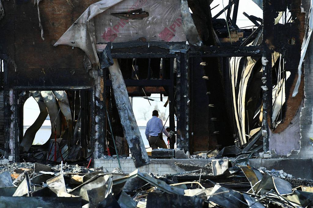 Spalony meczet w Victorii