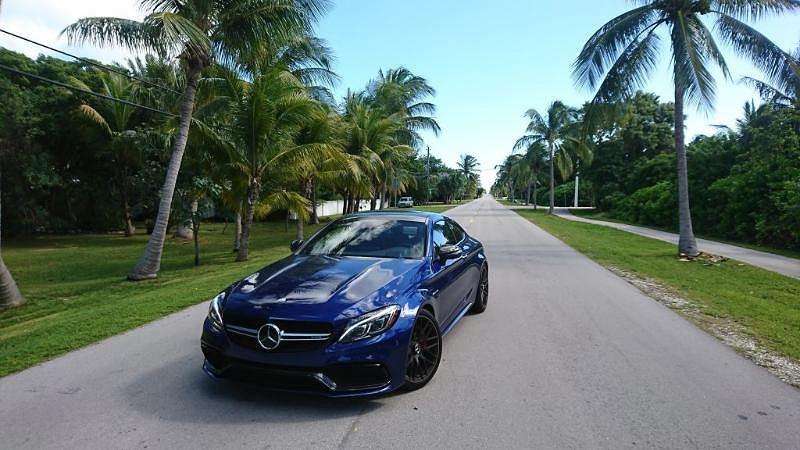 Mercedesem-AMG 63S przez Florydę