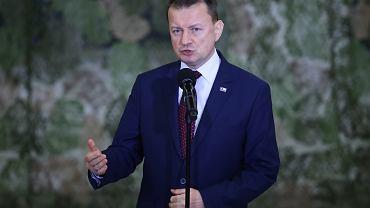 Minister Mariusz Błaszczak z żołnierzami Wojsk Specjalnych w Krakowie.