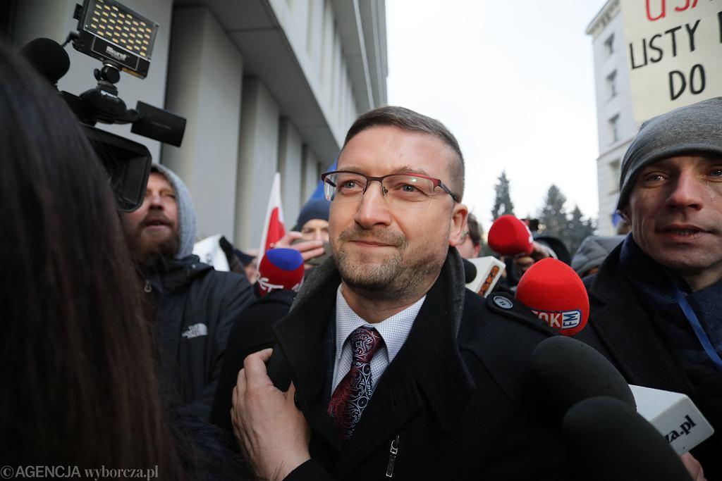 Sędzia Paweł Juszczyszyn przed kancelarią Sejmu, 21 stycznia 2020.