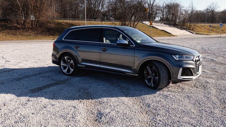 Jak jeździ nowe Audi SQ7? Sprawdziliśmy to w Studiu Biznes