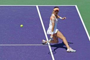 WTA w Miami. Radwańska znów to zrobiła! Nietypowe zagranie w Miami [WIDEO]
