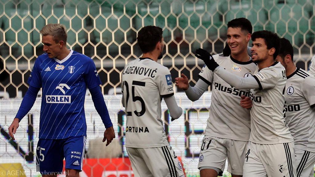 Bartosz Kapustka cieszy się z gola strzelonego w meczu Legia Warszawa - Wisła Płock (5:2)