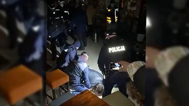 Wcześniejsza interwencja policji w PiwPaw, zdjęcie z 12 marca