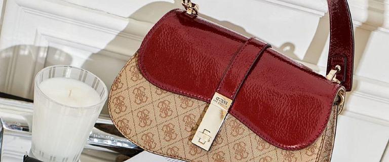 Trendy 2020: torebki na grubym pasku. Zobacz do czego pasują i jak je nosić.
