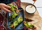 Spring rollsy wliściach małej sałaty rzymskiej