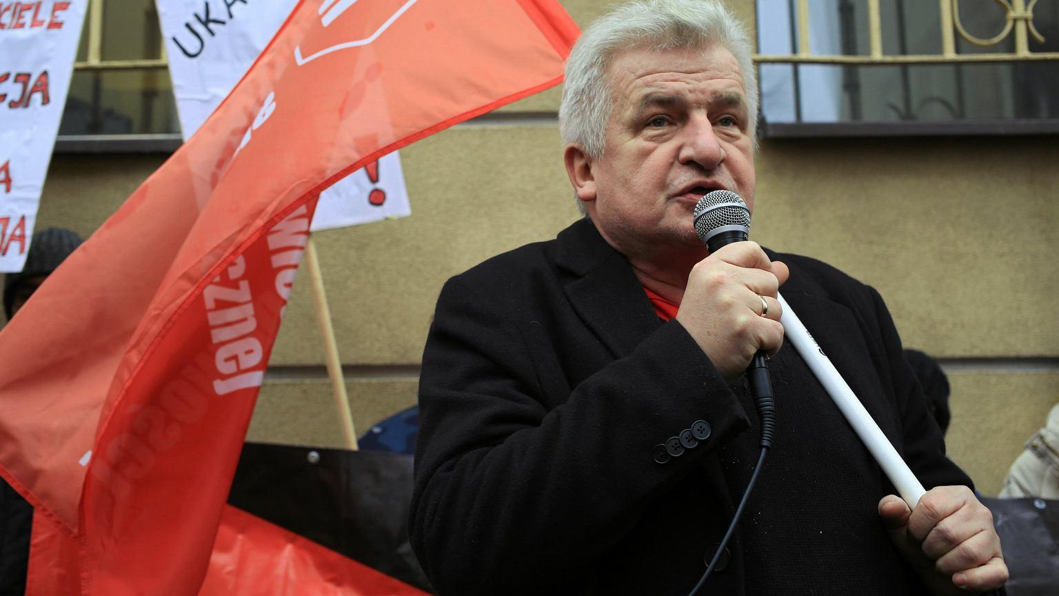 Piotr Ikonowicz podczas protestu