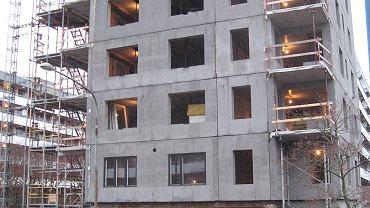 Budowa z materiałów prefabrykowanych (2009)