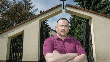 Piotr Adamczak z wielkopolskich Wojnowic oskarża księdza Jerzego P. o molestowanie