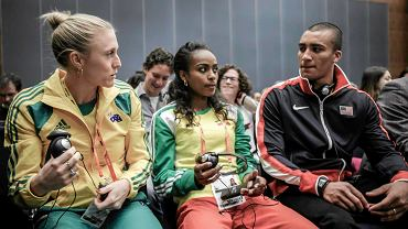W sopockim hotelu Sheraton odbyła się dziś konferencja prasowa przed Halowymi Mistrzostwami Świata, które w dniach 7-9 marca odbędą się w Ergo Arenie. Na zdjęciu od lewej: Australijka Sally Pearson (mistrzyni olimpijska na 100 m przez płotki z Londynu i obrończyni tytułu halowej mistrzyni świata na 60 m ppł ze Stambułu), Etiopka Genzebe Dibaba (halowa mistrzyni świata na 1500 m ze Stambułu) oraz najlepszy wieloboista ostatnich lat Amerykanin Ashton Eaton