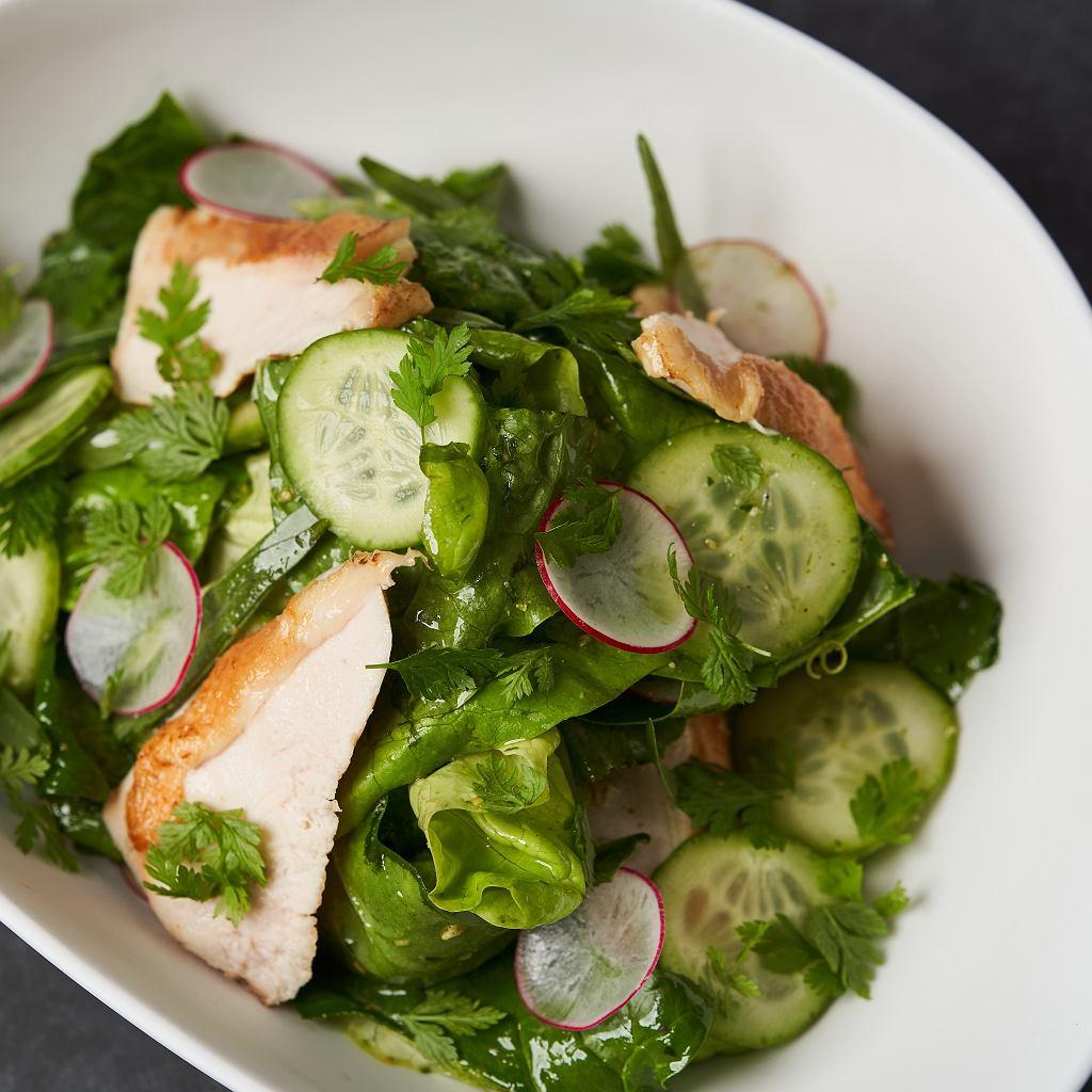Zielona sałatka z kurczakiem
