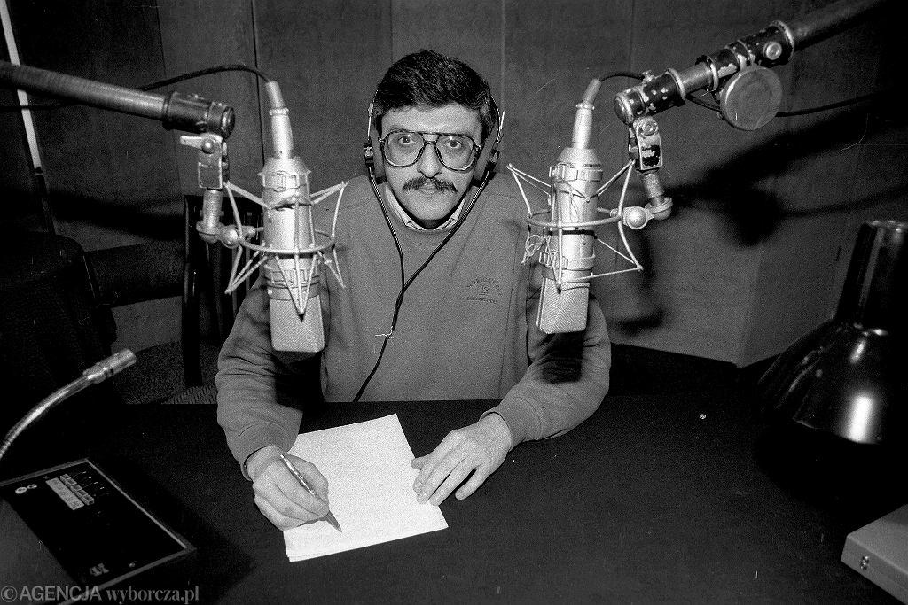 Marek Niedźwiecki w studiu Programu III Polskiego Radia przy ul. Myśliwieckiej w Warszawie, 1992 r.