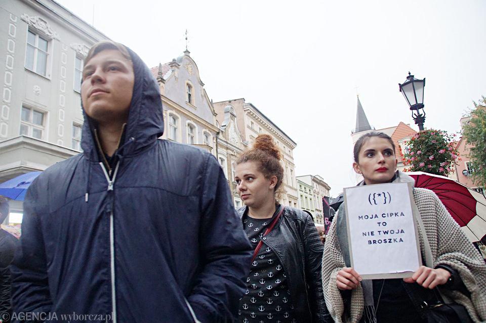 Zdjęcie numer 52 w galerii - Czarny protest w Zielonej Górze: