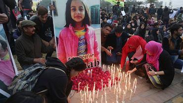 Pakistańscy studenci z Lahore palą świeczki by uczcić pamięć brutalnie zgwałconej i zamordowanej dziewczynki, Zajnab Ansari, 11 stycznia 2018 r.
