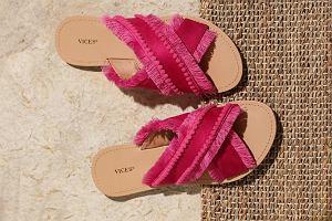 Buty na lato w odcieniu fuksji. Klapki, sandały i espadryle w niskich cenach