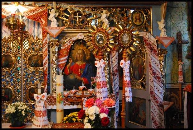 We wnętrzu cerkwi jest miejsce na każdą ozdobę; fot. Dominika Węcławek