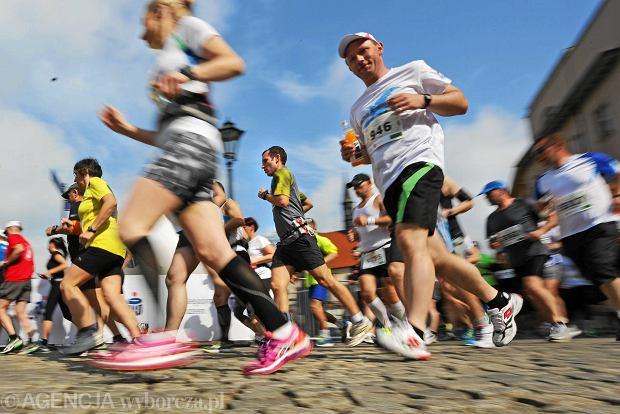 18.05.2014 Krakow . 13 Cracovia Maraton .  Fot. Mateusz Skwarczek / Agencja Gazeta    SLOWA KLUCZOWE: bieganie bieg  maraton